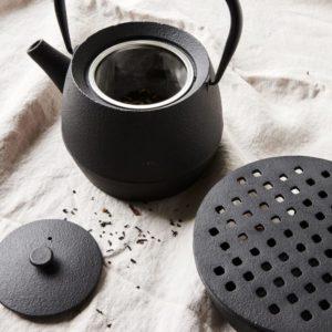 Service à thé en fonte