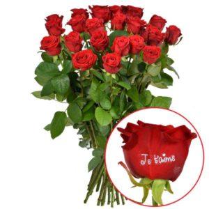 """Bouquet de 23 roses+1 rose marquée """"je t'aime"""""""